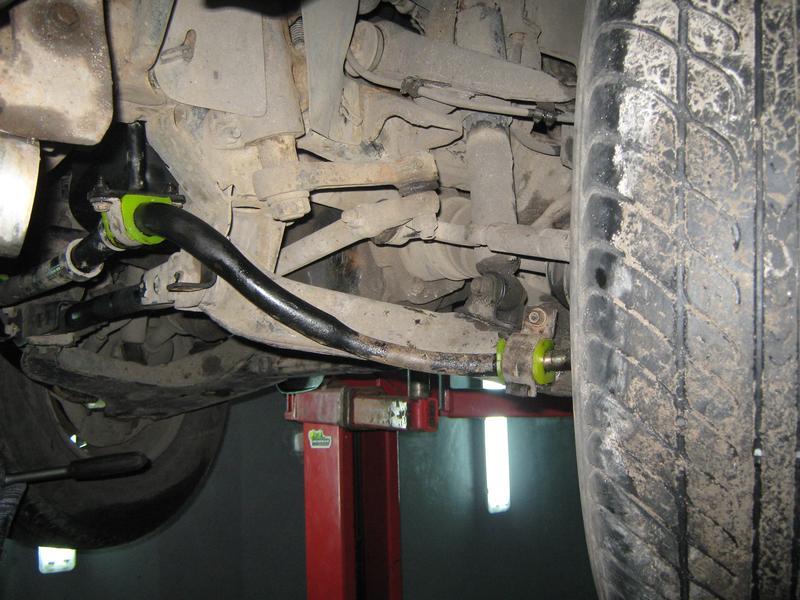 Vtulka stabilizatora iz poliuretana Pajero Sport